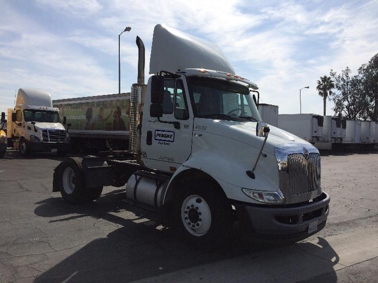 Day Cab Tractor-Heavy Duty Tractors-International-2012-8600-ONTARIO-CA-165,071 miles-$28,250