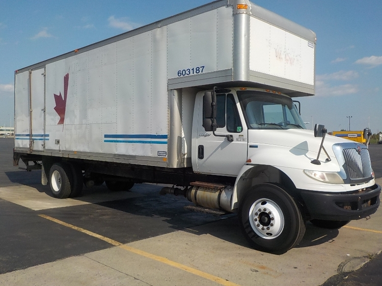 Medium Duty Box Truck-Light and Medium Duty Trucks-International-2011-4400-SAINT LAURENT-PQ-214,086 km-$38,500
