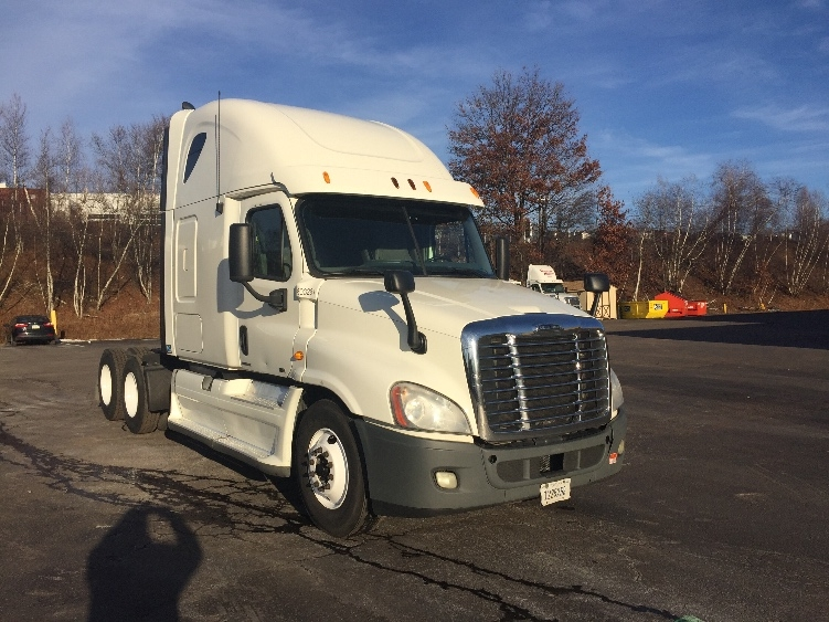 Sleeper Tractor-Heavy Duty Tractors-Freightliner-2011-Cascadia 12564ST-WHITE DEER-PA-625,784 miles-$32,500