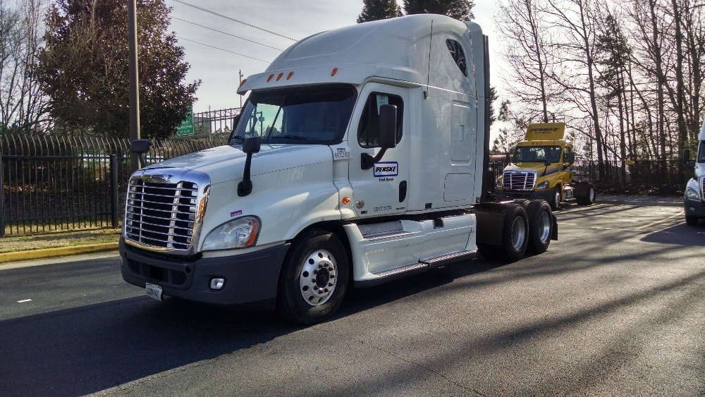 Sleeper Tractor-Heavy Duty Tractors-Freightliner-2011-Cascadia 12564ST-LANCASTER-PA-698,433 miles-$33,000