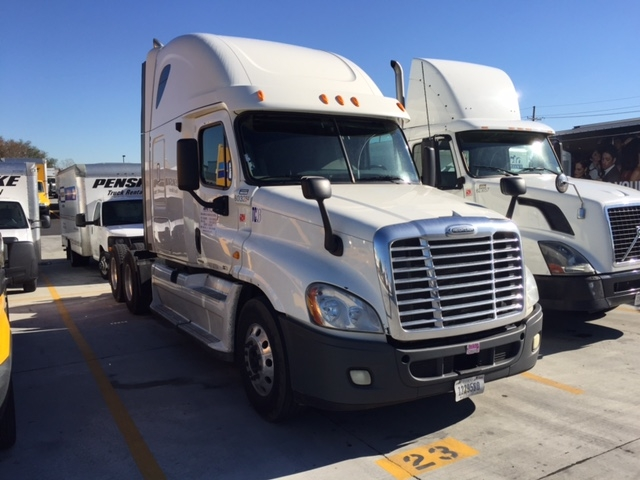 Sleeper Tractor-Heavy Duty Tractors-Freightliner-2011-Cascadia 12564ST-PELL CITY-AL-605,284 miles-$33,000