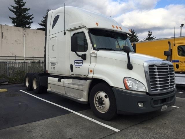 Sleeper Tractor-Heavy Duty Tractors-Freightliner-2011-Cascadia 12564ST-TUKWILA-WA-532,130 miles-$32,250