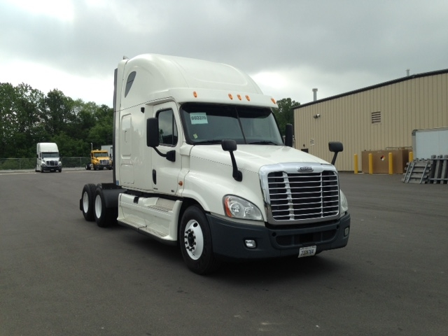 Sleeper Tractor-Heavy Duty Tractors-Freightliner-2011-Cascadia 12564ST-BIRMINGHAM-AL-629,900 miles-$32,750