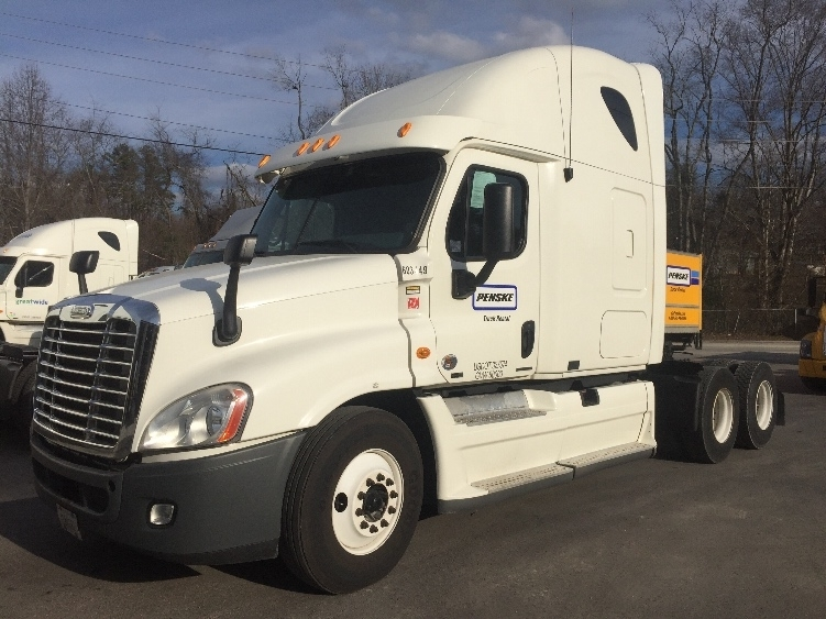Sleeper Tractor-Heavy Duty Tractors-Freightliner-2011-Cascadia 12564ST-ASHEVILLE-NC-548,538 miles-$32,250