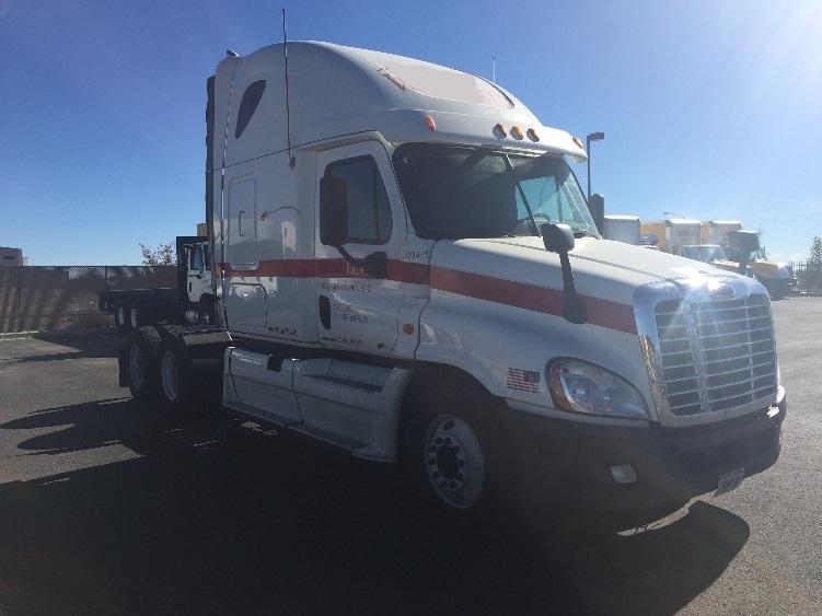 Sleeper Tractor-Heavy Duty Tractors-Freightliner-2011-Cascadia 12564ST-COLORADO SPRINGS-CO-596,385 miles-$42,500