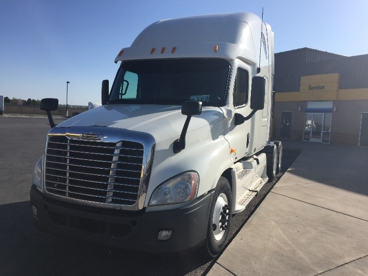 Sleeper Tractor-Heavy Duty Tractors-Freightliner-2011-Cascadia 12564ST-COLORADO SPRINGS-CO-649,843 miles-$29,500