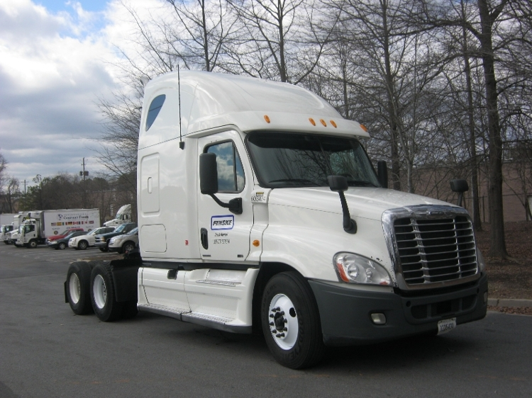 Sleeper Tractor-Heavy Duty Tractors-Freightliner-2011-Cascadia 12564ST-WEST SACRAMENTO-CA-602,478 miles-$35,000