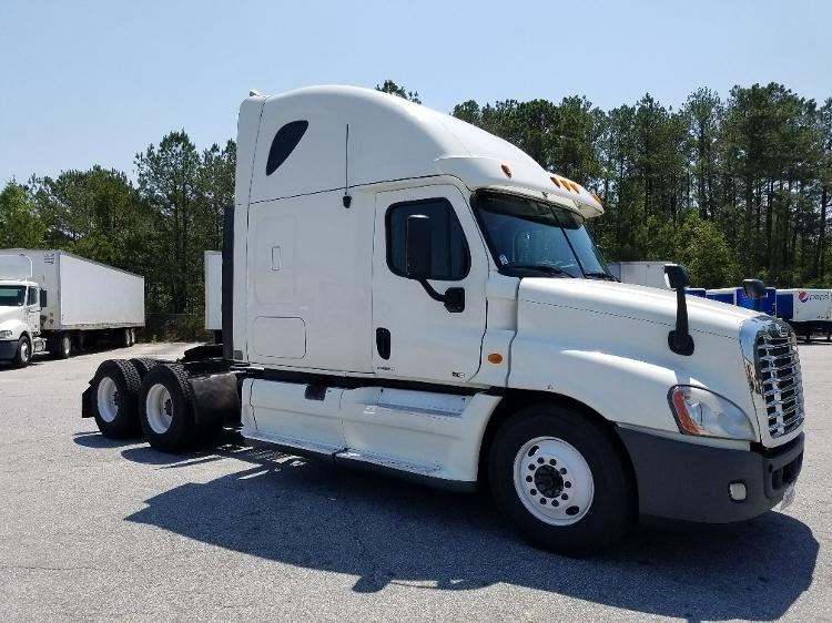 Sleeper Tractor-Heavy Duty Tractors-Freightliner-2011-Cascadia 12564ST-TACOMA-WA-564,545 miles-$37,750