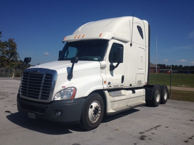 Sleeper Tractor-Heavy Duty Tractors-Freightliner-2011-Cascadia 12564ST-GADSDEN-AL-601,814 miles-$34,250