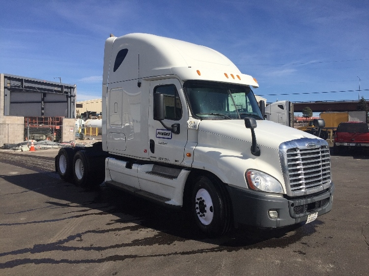 Sleeper Tractor-Heavy Duty Tractors-Freightliner-2011-Cascadia 12564ST-DENVER-CO-583,996 miles-$36,000