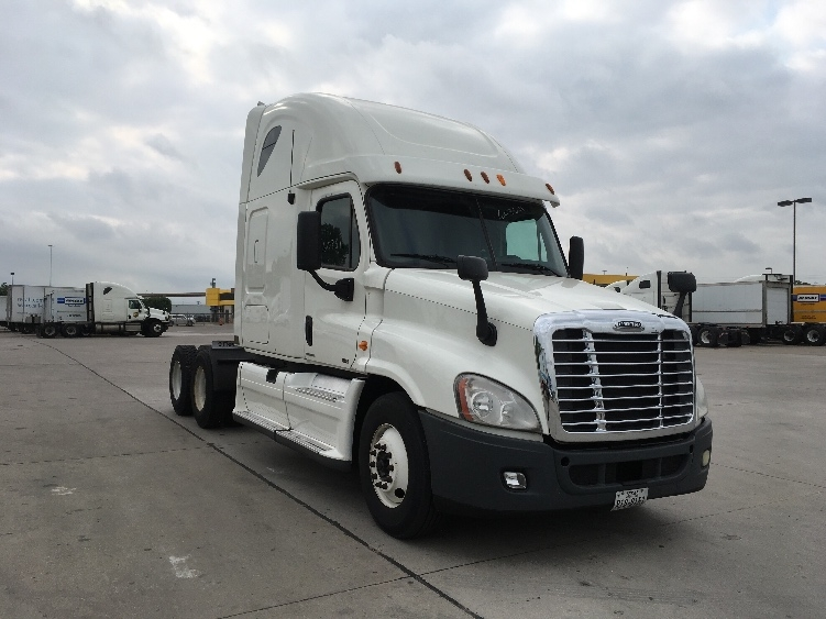Sleeper Tractor-Heavy Duty Tractors-Freightliner-2011-Cascadia 12564ST-DALLAS-TX-684,981 miles-$32,500