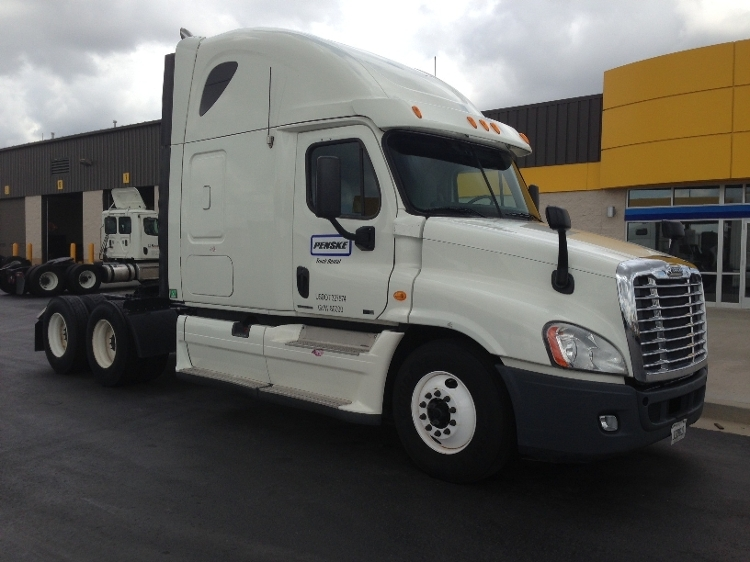 Sleeper Tractor-Heavy Duty Tractors-Freightliner-2011-Cascadia 12564ST-EARTH CITY-MO-490,632 miles-$36,250