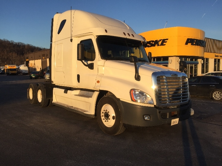 Sleeper Tractor-Heavy Duty Tractors-Freightliner-2011-Cascadia 12564ST-PITTSBURGH-PA-559,387 miles-$34,250