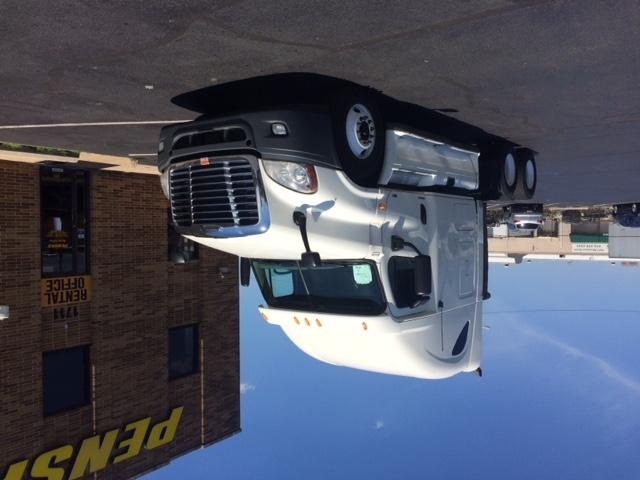 Sleeper Tractor-Heavy Duty Tractors-Freightliner-2011-Cascadia 12564ST-BELCAMP-MD-494,709 miles-$35,250