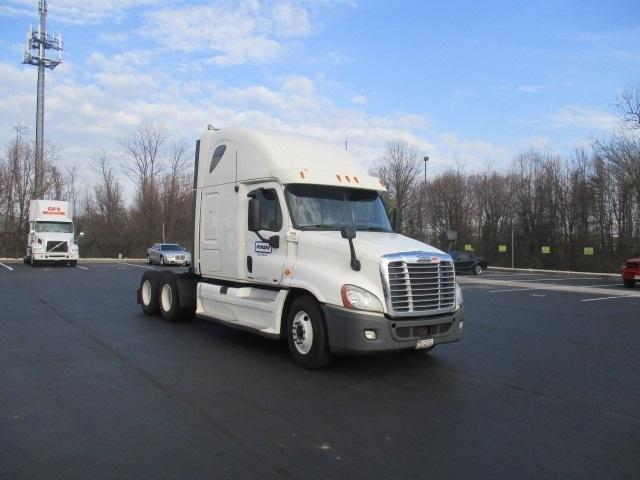 Sleeper Tractor-Heavy Duty Tractors-Freightliner-2011-Cascadia 12564ST-BELCAMP-MD-544,678 miles-$34,500