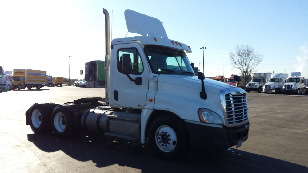 Day Cab Tractor-Heavy Duty Tractors-Freightliner-2011-Cascadia 12564ST-SAINT LAURENT-PQ-493,624 km-$49,500