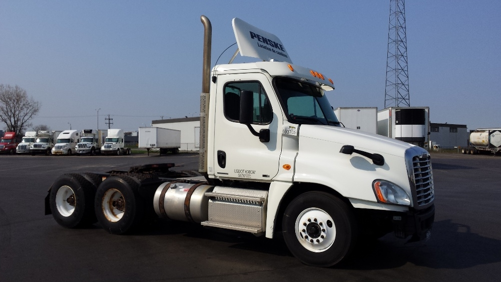 Day Cab Tractor-Heavy Duty Tractors-Freightliner-2011-Cascadia 12564ST-SAINT LAURENT-PQ-502,962 km-$51,500
