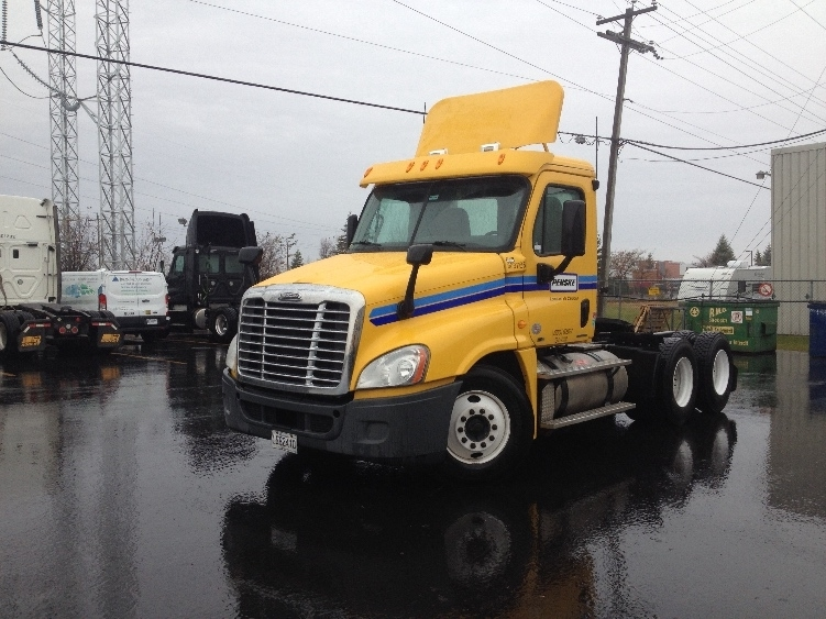 Day Cab Tractor-Heavy Duty Tractors-Freightliner-2011-Cascadia 12564ST-SAINT LAURENT-PQ-474,912 km-$17,000