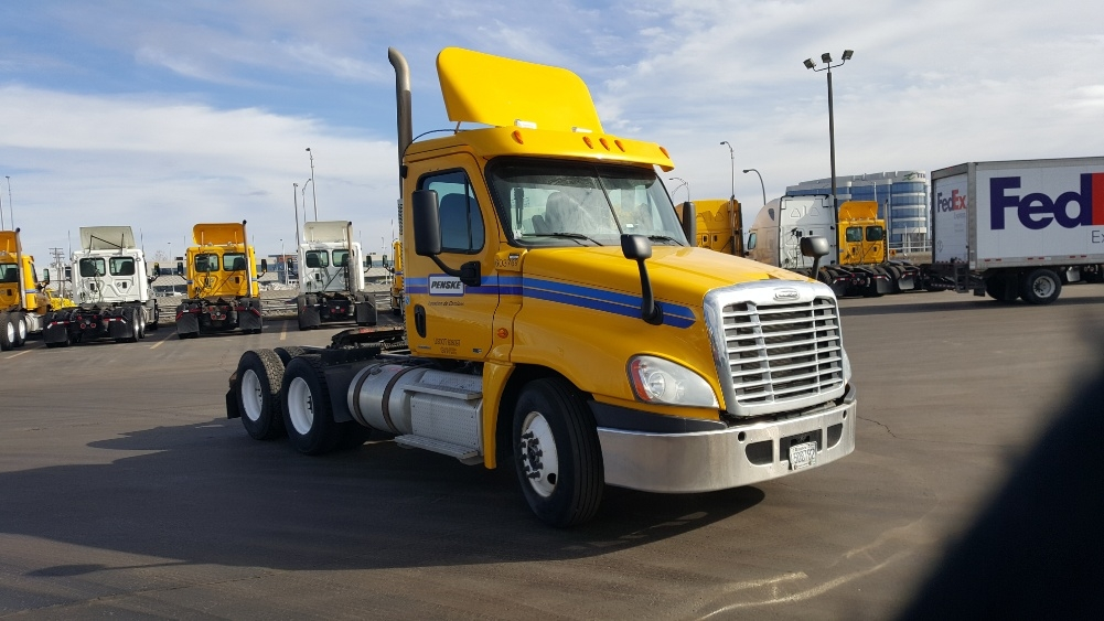 Day Cab Tractor-Heavy Duty Tractors-Freightliner-2011-Cascadia 12564ST-STE-FOY-PQ-417,819 km-$41,000
