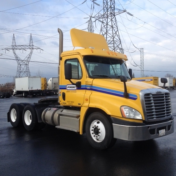 Day Cab Tractor-Heavy Duty Tractors-Freightliner-2011-Cascadia 12564ST-MISSISSAUGA-ON-405,691 km-$42,500