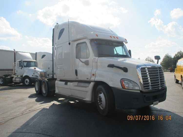 Sleeper Tractor-Heavy Duty Tractors-Freightliner-2011-Cascadia 12564ST-MISSISSAUGA-ON-987,048 km-$36,500