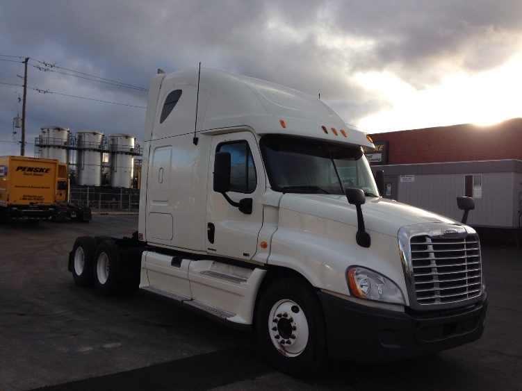Sleeper Tractor-Heavy Duty Tractors-Freightliner-2011-Cascadia 12564ST-MISSISSAUGA-ON-1,012,163 km-$34,500