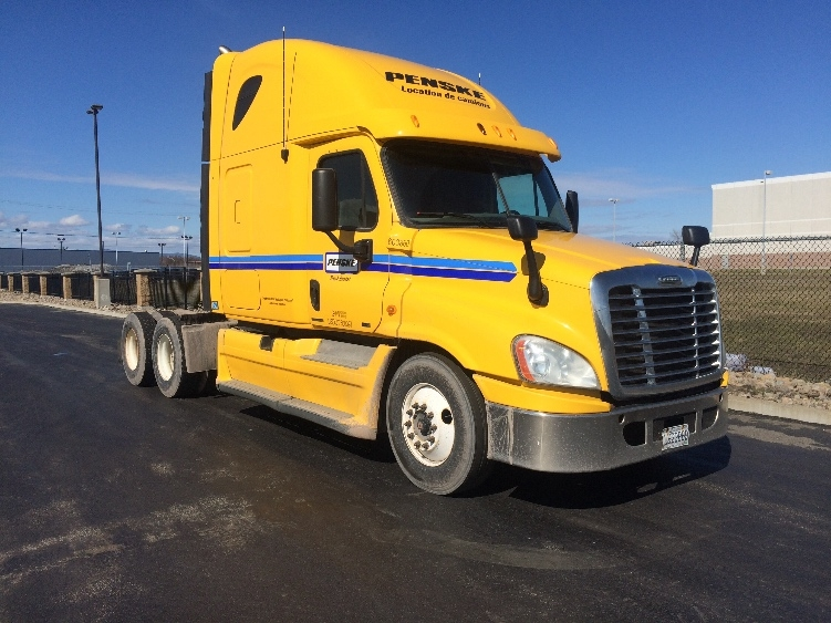 Sleeper Tractor-Heavy Duty Tractors-Freightliner-2011-Cascadia 12564ST-MISSISSAUGA-ON-826,724 km-$31,000