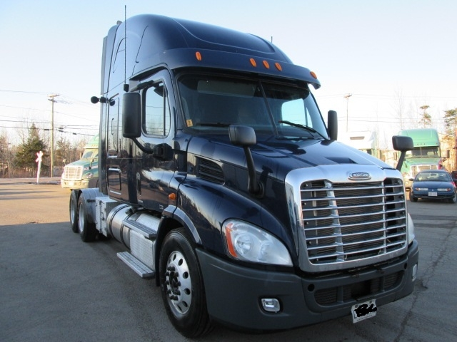Sleeper Tractor-Heavy Duty Tractors-Freightliner-2012-Cascadia 11364ST-MONCTON-NB-714,314 km-$40,750