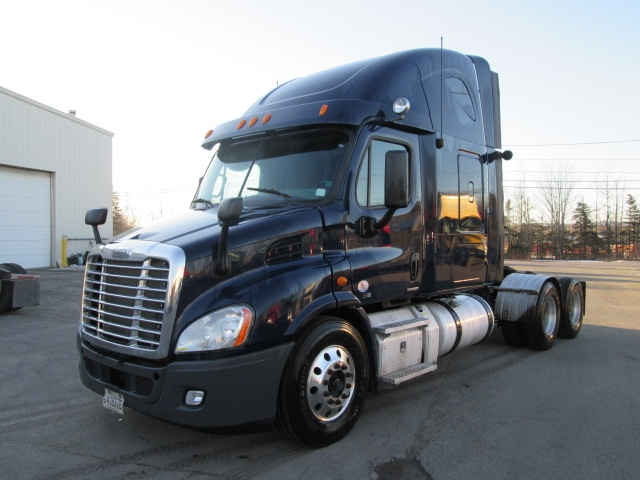 Sleeper Tractor-Heavy Duty Tractors-Freightliner-2012-Cascadia 11364ST-MISSISSAUGA-ON-780,336 km-$39,750