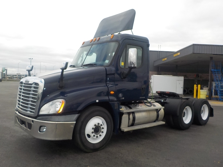 Day Cab Tractor-Heavy Duty Tractors-Freightliner-2012-Cascadia 12564ST-SAINT LAURENT-PQ-500,537 km-$51,250