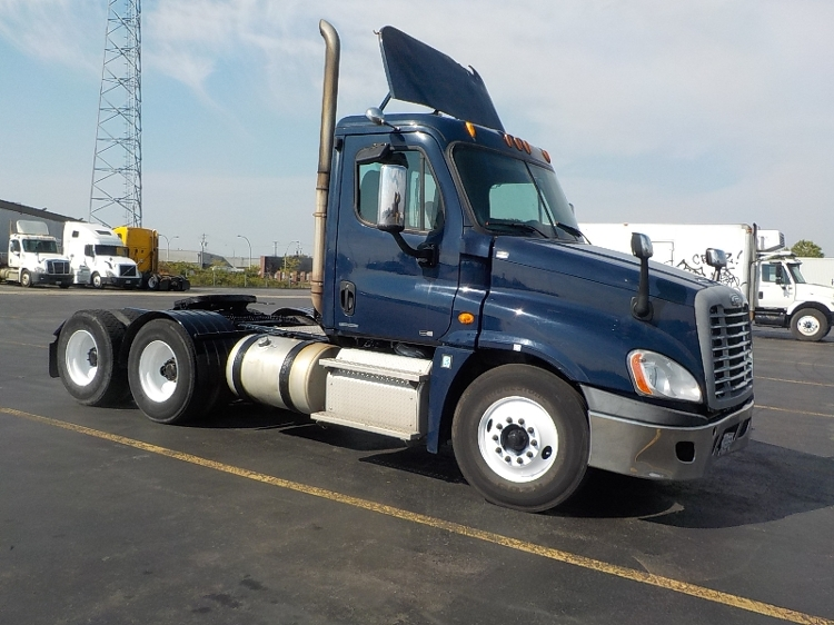 Day Cab Tractor-Heavy Duty Tractors-Freightliner-2012-Cascadia 12564ST-SAINT LAURENT-PQ-520,102 km-$54,750