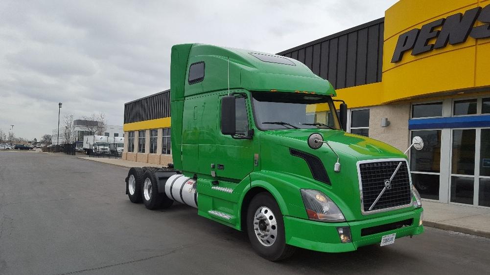 Sleeper Tractor-Heavy Duty Tractors-Volvo-2012-VNL64T670-ROCKFORD-IL-409,728 miles-$41,250