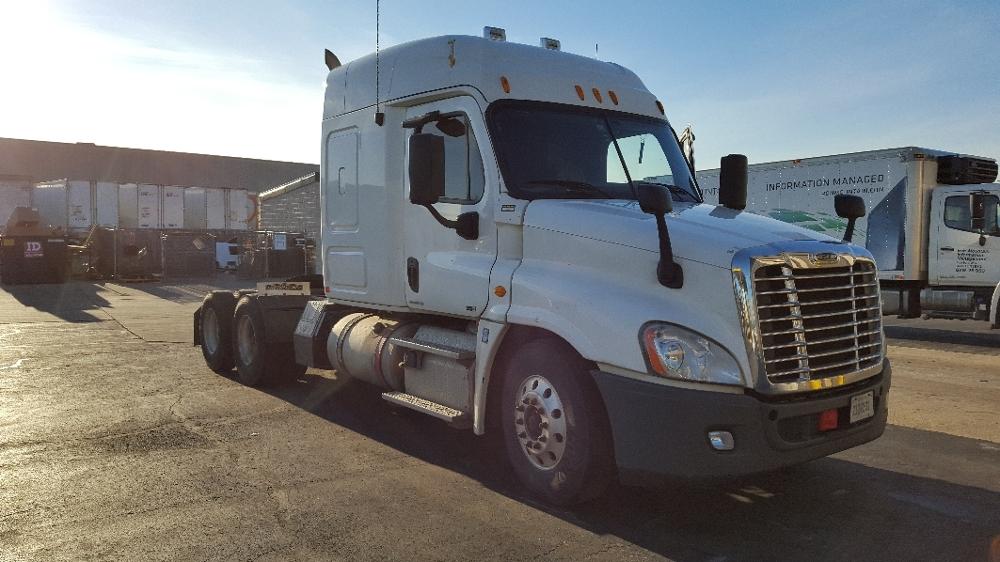 Sleeper Tractor-Heavy Duty Tractors-Freightliner-2011-Cascadia 12564ST-LOUISVILLE-KY-527,333 miles-$37,750