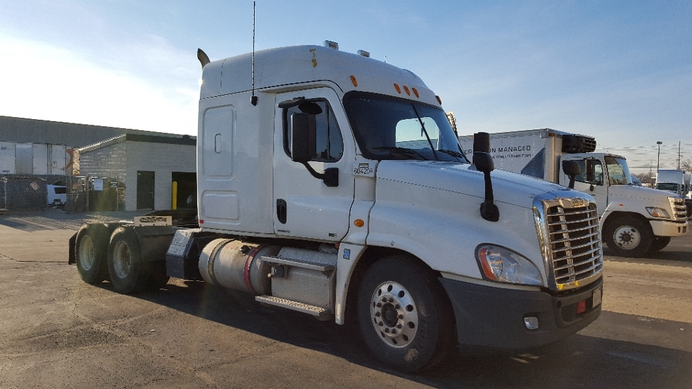 Sleeper Tractor-Heavy Duty Tractors-Freightliner-2012-Cascadia 12564ST-LOUISVILLE-KY-694,846 miles-$33,000