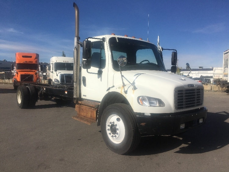 Cab and Chassis Truck-Light and Medium Duty Trucks-Freightliner-2011-M2-CALGARY-AB-185,960 km-$32,500