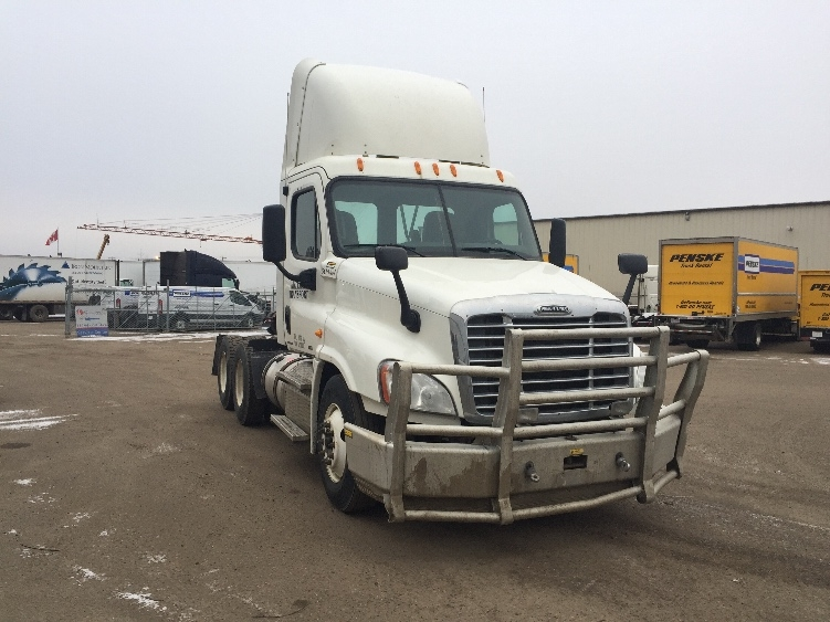Day Cab Tractor-Heavy Duty Tractors-Freightliner-2011-Cascadia 12564ST-EDMONTON-AB-474,924 km-$54,000