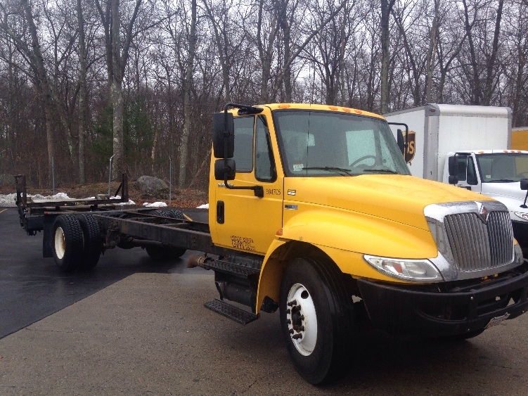 Cab and Chassis Truck-Light and Medium Duty Trucks-International-2012-4300-BRAINTREE-MA-101,383 miles-$26,750