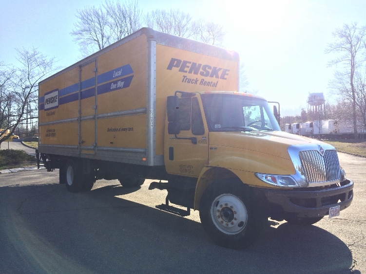 Medium Duty Box Truck-Light and Medium Duty Trucks-International-2012-4300-CRANSTON-RI-128,124 miles-$30,500