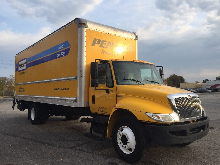 Medium Duty Box Truck-Light and Medium Duty Trucks-International-2012-4300-LOUISVILLE-KY-136,853 miles-$25,750
