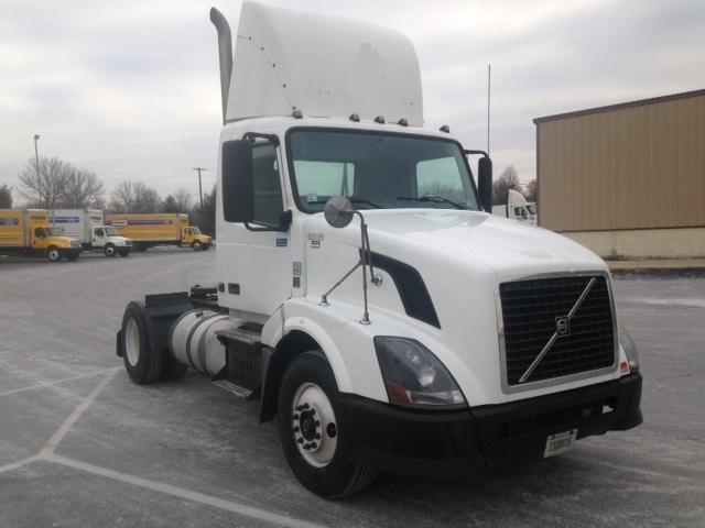 Day Cab Tractor-Heavy Duty Tractors-Volvo-2012-VNL42300-BETHLEHEM-PA-467,641 miles-$29,250