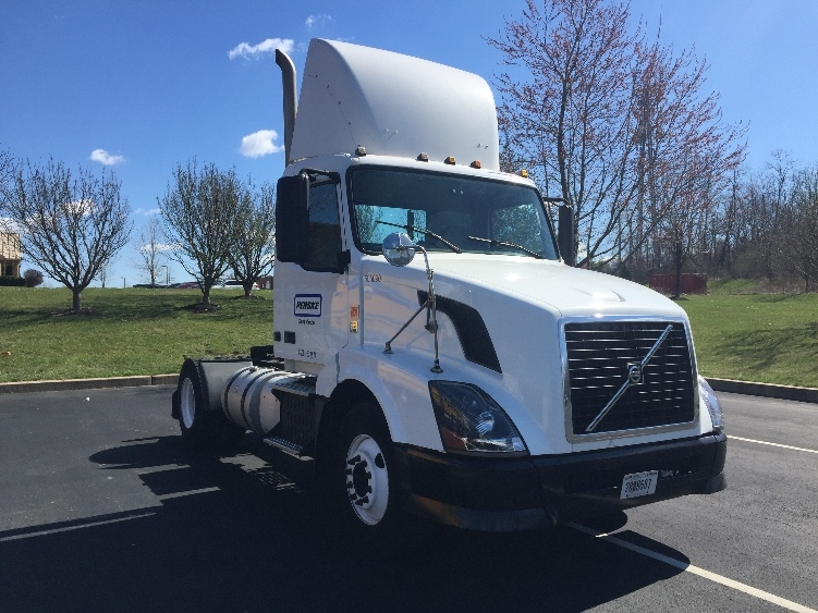Day Cab Tractor-Heavy Duty Tractors-Volvo-2012-VNL42300-KING OF PRUSSIA-PA-354,373 miles-$33,500