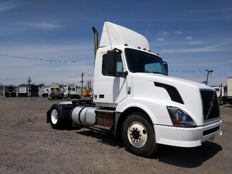 Day Cab Tractor-Heavy Duty Tractors-Volvo-2012-VNL42300-LINDEN-NJ-304,710 miles-$35,750