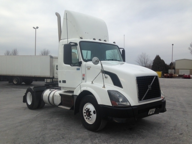 Day Cab Tractor-Heavy Duty Tractors-Volvo-2012-VNL42300-BETHLEHEM-PA-387,598 miles-$31,750