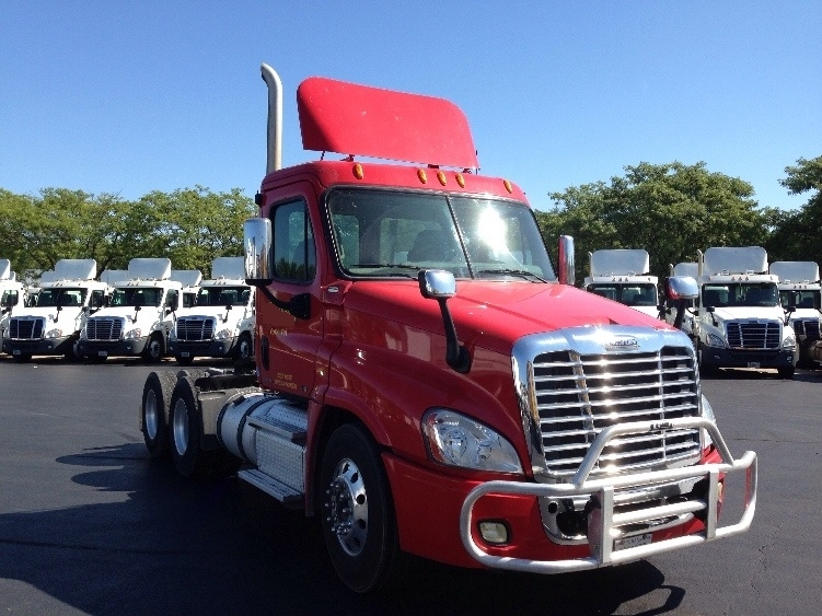 Day Cab Tractor-Heavy Duty Tractors-Freightliner-2011-Cascadia 12564ST-CARLISLE-PA-115,558 miles-$53,750