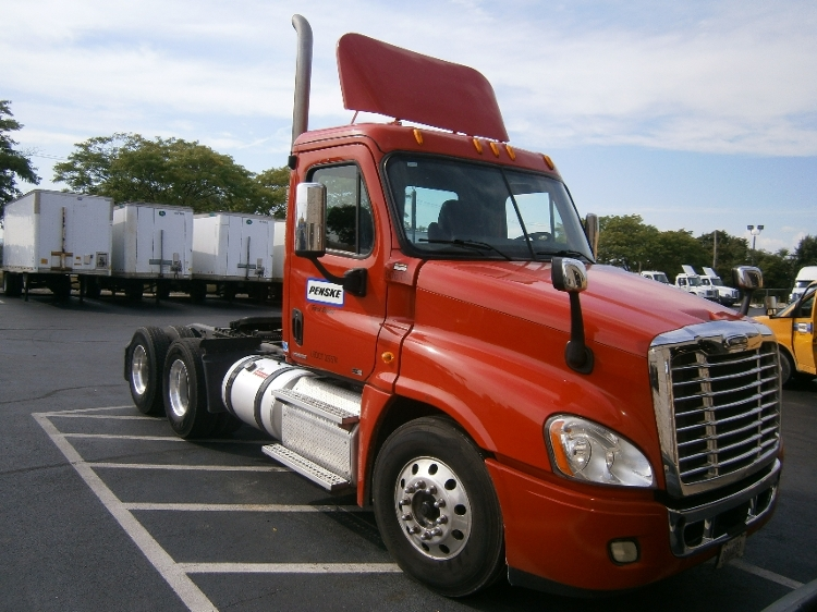 Day Cab Tractor-Heavy Duty Tractors-Freightliner-2011-Cascadia 12564ST-CARLISLE-PA-221,706 miles-$50,250