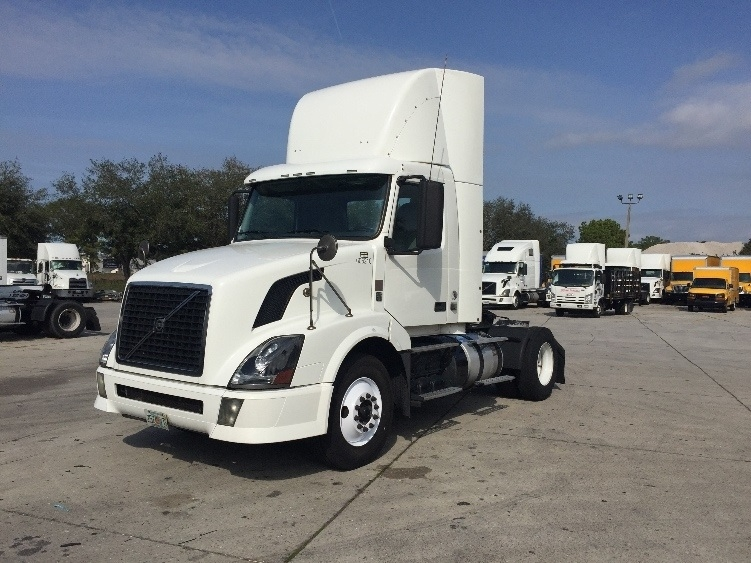 Day Cab Tractor-Heavy Duty Tractors-Volvo-2012-VNL42300-SARASOTA-FL-611,333 miles-$26,750