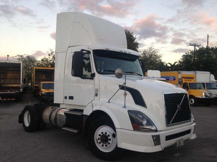 Day Cab Tractor-Heavy Duty Tractors-Volvo-2012-VNL42300-MIAMI-FL-487,833 miles-$28,250