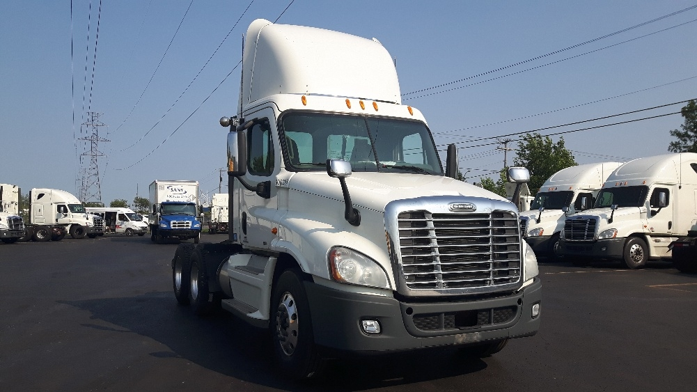 Day Cab Tractor-Heavy Duty Tractors-Freightliner-2012-Cascadia 12564ST-OTTAWA-ON-940,021 km-$40,750