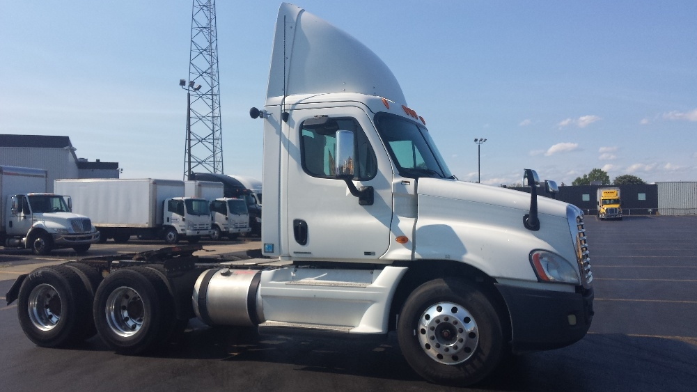 Day Cab Tractor-Heavy Duty Tractors-Freightliner-2012-Cascadia 12564ST-SAINT LAURENT-PQ-336,315 km-$64,750