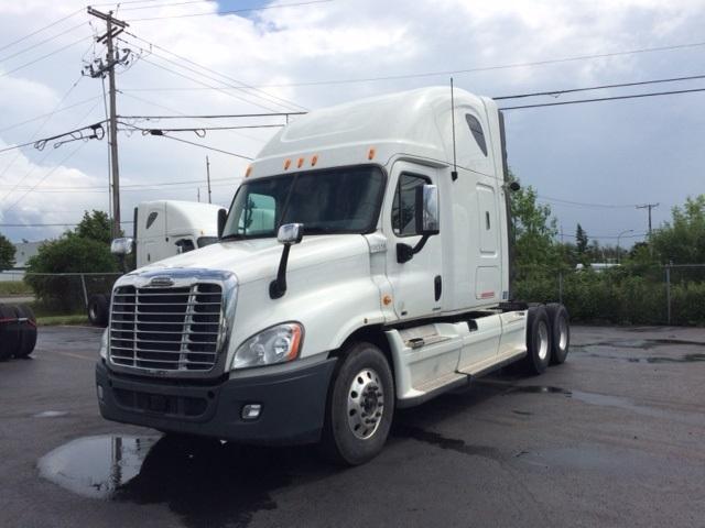 Sleeper Tractor-Heavy Duty Tractors-Freightliner-2012-Cascadia 12564ST-BOUCHERVILLE-PQ-797,430 km-$51,000